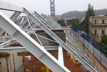 Ocelová konstrukce krovu bytového domu